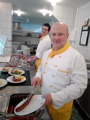 Thomas Hauck ist seit 2010 Küchenleiter in der RWS-Küche im Innovations- und Technologie-Center Chemnitz.