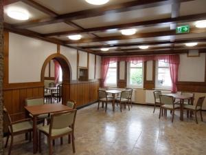 Die alte Gaststube des einstigen Gasthofes dient nun als Gemeinschaftsraum der neuen Pflegeeinrichtung.