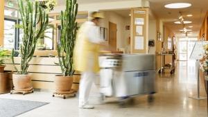 rws-cateringservice_klinik_krankenhaus_wirtschaftsdienst_waermewagen