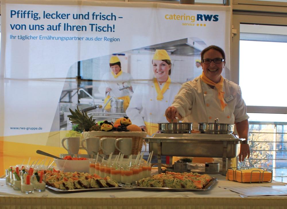 Dicht an dich reihten sich die Verkostungsschälchen, die Stefanie Born aus der RWS Küche in Leipzig mitbrachte.
