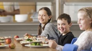 rws-cateringservice_schule_mittagessen_kinder essen